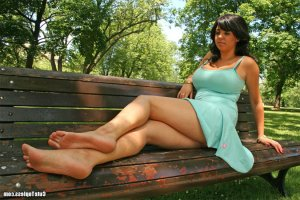 Lesly-anne swinger parties in Bourbonnais, IL