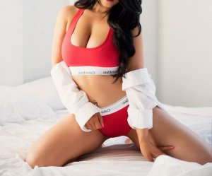Moniqua greek escorts services in Burnsville